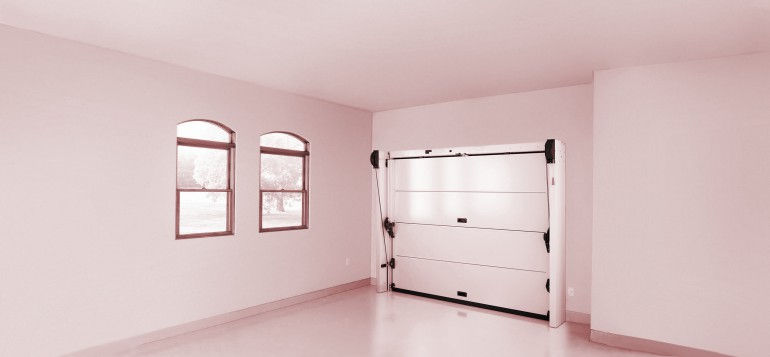Example of a Trackless Sectional Door